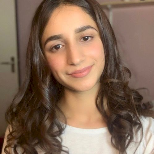Aisha - Bruxelles: I've taught at the European School of Bruxe...