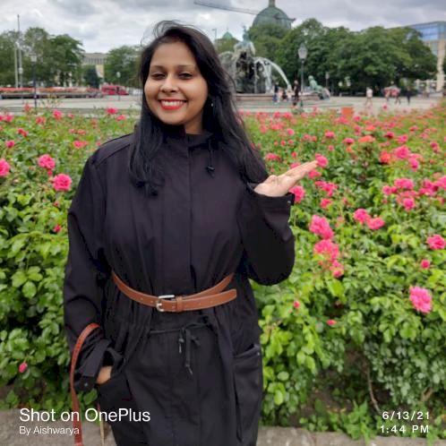 Aishwarya - Berlin: I am a professional elocutionist, professi...