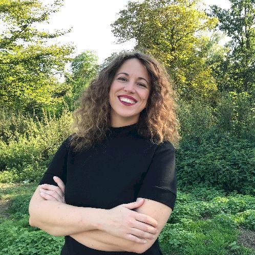 Alessandra - Italian Teacher in Bruxelles: I am an Italian gir...