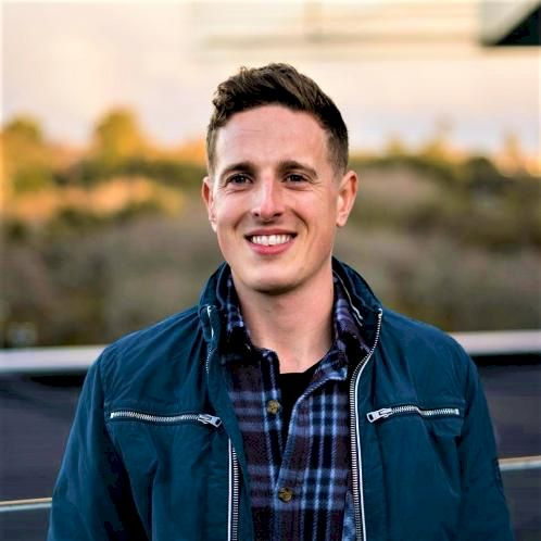 Alex - English Teacher in Auckland: Looking for more regular c...
