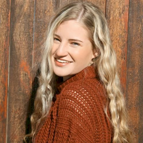 Alicia - Cape Town: I am a Language Practice student at UFS. I...