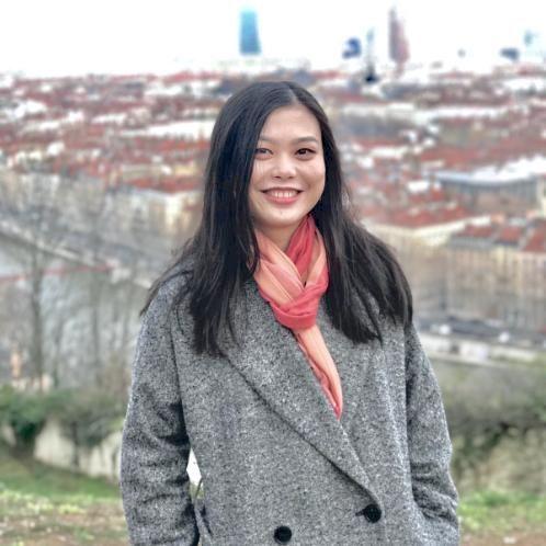 Alisa - Lyon: Born in south China, learned Mandarin, Hakka, Ca...