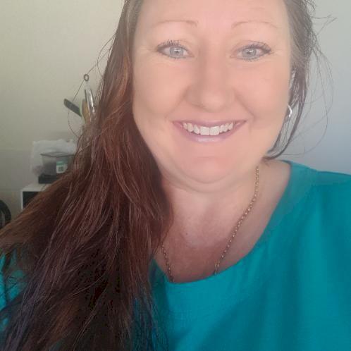 Amantha - English Teacher in Sydney: Mature married lady I hav...