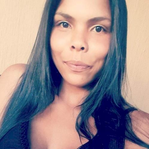 Amber - Afrikaans Teacher in Cape Town: 20 year old with a 9-5...