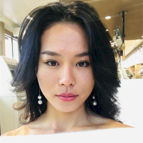 Amy - Chinese / Mandarin Teacher in Prague: Hello , My name i...