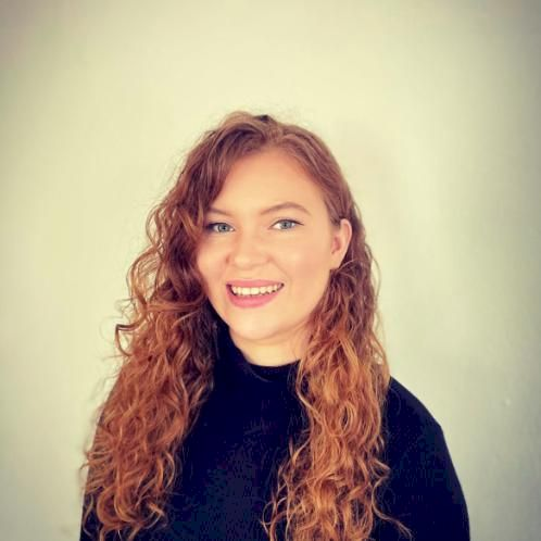 Anna - Luxembourg: Hi, I'm Anna. I am originally from England,...