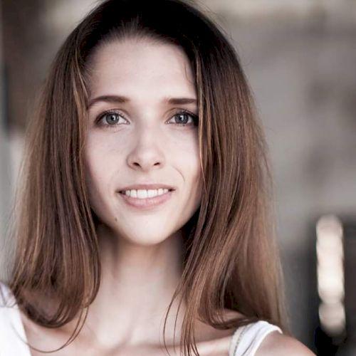 Anna - Russian Teacher in Tel Aviv: I moved to Tel Aviv from M...