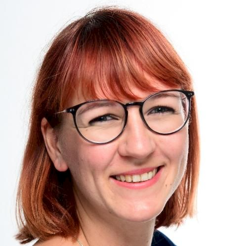Anne - Auckland: Hallo, wie geht's?  Hi everyone, my name is ...