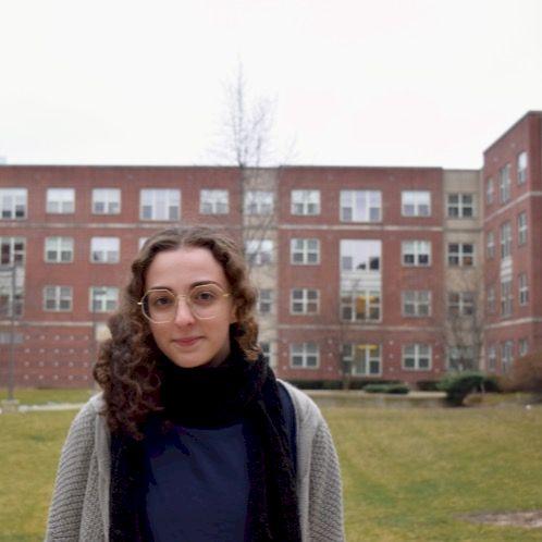 Ariana - Siena: I am an English linguistics master's student...