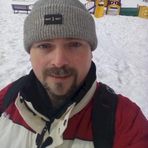 Artemy - Russian Teacher in Dubai: Hello. My name is Artemy. I...