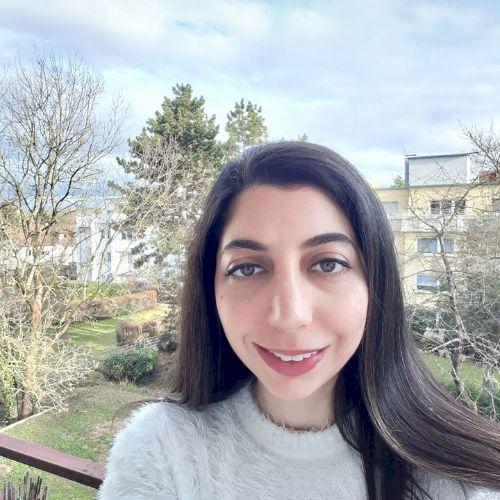 Aseel - Arabic Teacher in Berlin: Hi, my name is Aseel, a 29 y...