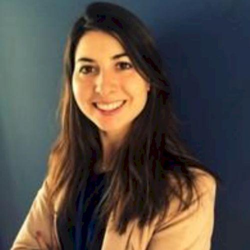 Aurélie - French Teacher in Sydney: Hello, I am Aurélie and ...