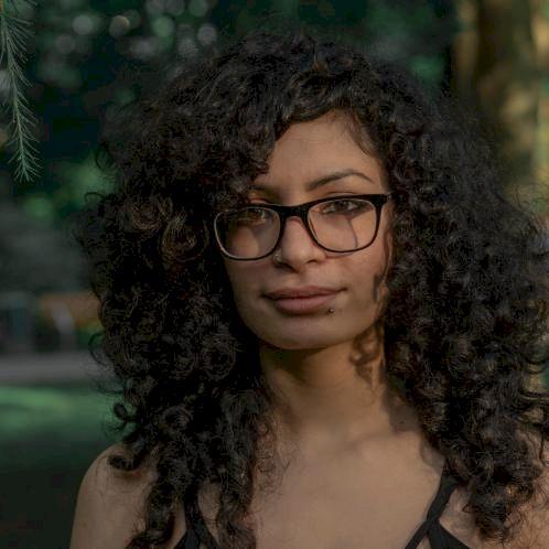 Bara - Arabic Teacher in Budapest: I'm a filmmaker and a music...