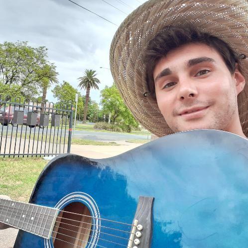 Bertolini - Italian Teacher in Sydney: I'm a 20 years old guy ...