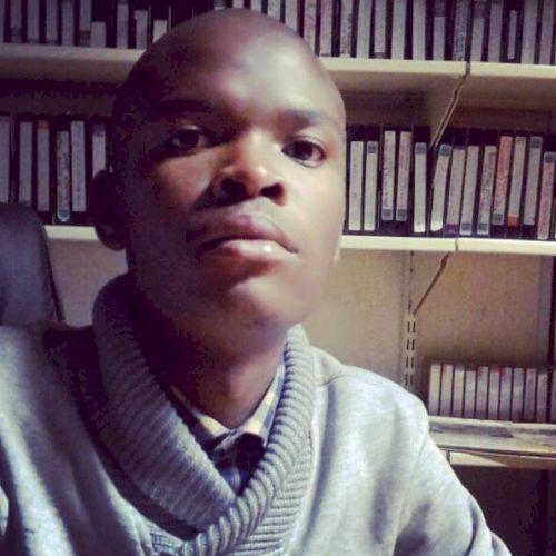 Bonginkosi - Xhosa Teacher in Cape Town: I am a qualified teac...