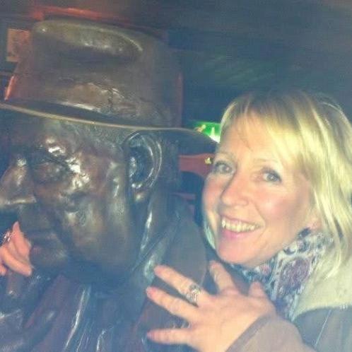 CLAIRE - Barcelona: In the UK, I studied management, psycholog...