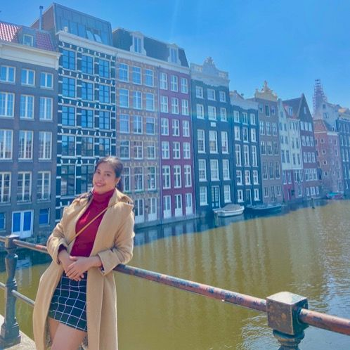 Charie - Amsterdam: Learning a new language is difficult for p...