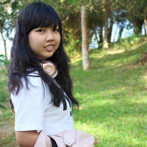 Chau - Vietnamese Teacher in Singapore: Hi there, I am a femal...
