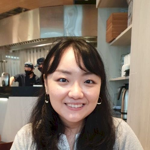 Christy - Singapore: ONLINE Lessons only  Hello, I have more t...