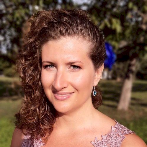 Claudia - Bratislava: Graduated from the University of Turin i...