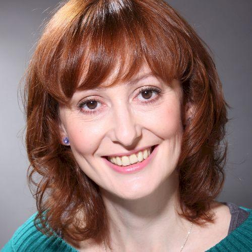 Dagmar - Czech Teacher in Tel Aviv: I have been a journalist a...