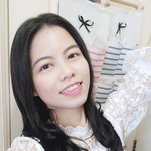 Daisy - Cantonese Teacher in Hong Kong: Hello everyone, my nam...