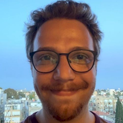 Daniel - Portuguese Teacher in Tel Aviv: Hello everybody! I am...