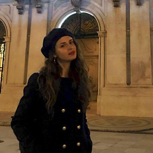 Denise - Portuguese Teacher in Lisbon: Hi, I'm a Portuguese ...