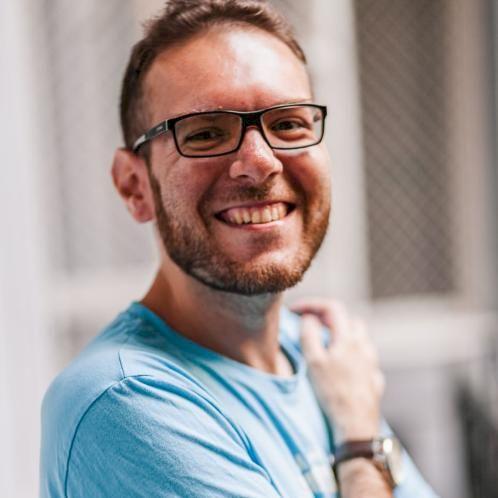 Diego - Budapest: Young tutor from Malta. Bilingual Italian an...