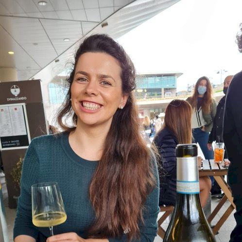 Dijana - Bosnian Teacher in Milan: I would be happy to meet yo...