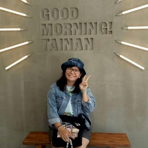 Dona - Jakarta: I am Dona. I am an Indonesian native. I can sp...