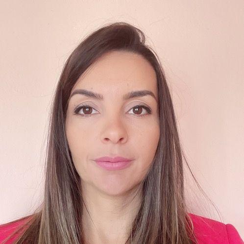 Dragana - Vienna: I am former Instructor and  stewardess of Em...