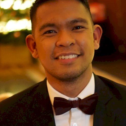 Earl - Dublin: I am a Filipino charcoal artist and accountant ...