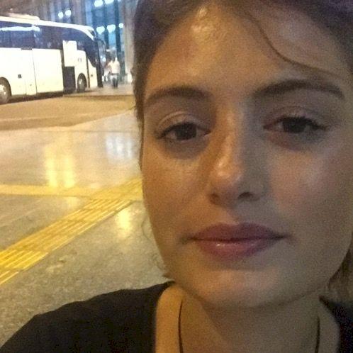 Ece - Rome: Hi guys, I am Ece!  Want to learn/practice Turkish...