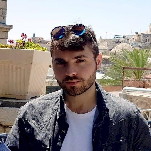 Eitan - Dubai: (ONLINE LESSON) An Israeli teacher, born and ra...