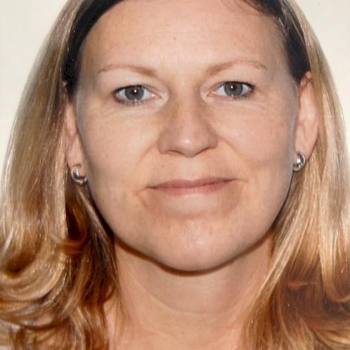 Eleanor - Barcelona: I am a native English-speaker from Sheffi...