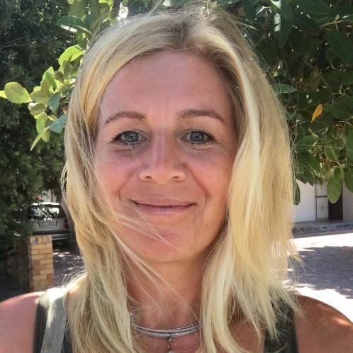 Ellen - Cape Town: I am Ellen, a 1976 born German Lawyer takin...