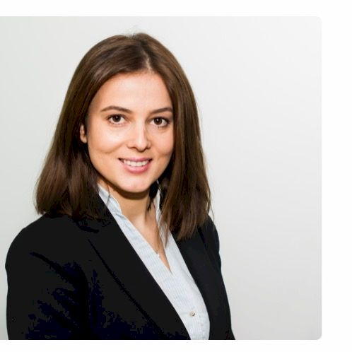 Elona - Luxembourg: I have a PhD in Management. I speak fluent...