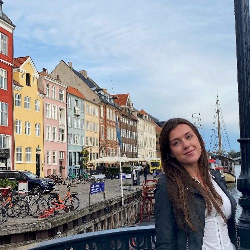 Emma - French Teacher in Copenhagen: I have lived in France fo...