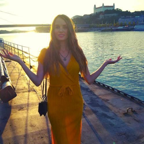 Erika - Bratislava: Hi guys, my name is Erika and I offer priv...