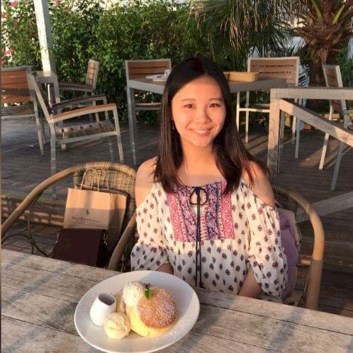 Eunice - Cantonese Teacher in Hong Kong: I am graduated from T...