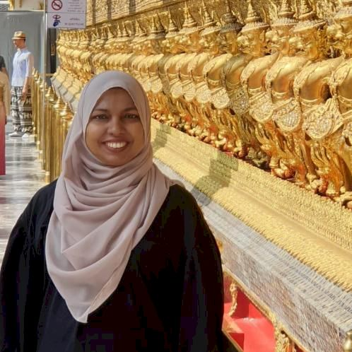Fairoza - Singapore: As a teacher, I create lessons that engag...