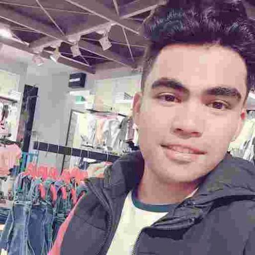 Hamza - Lahore: I am Hamza Ghaffar from the Philippines but li...