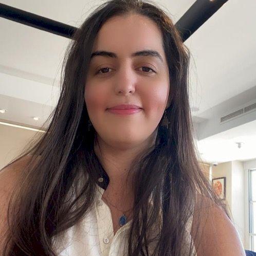 Hela - Arabic Teacher in Paris: Hi, I'm Hela, I am an engineer...