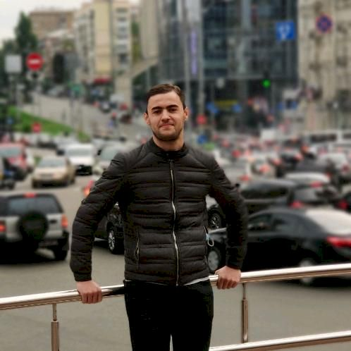 Hicham - Arabic Teacher in Kyiv: My name is Hicham benamira, I...