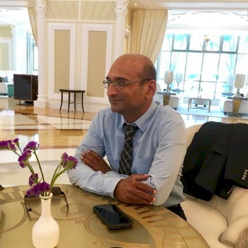 Hitesh - Sharjah: I am a BA Hons graduate in History and Frenc...