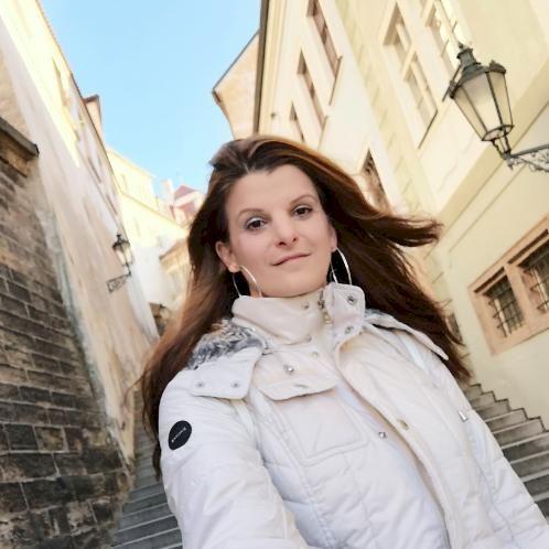 Ida - Hungarian Teacher in Prague: I am a Prague based English...