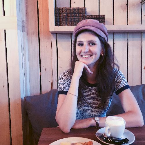 Ilona - German Teacher in Tel Aviv: I was born in St. Petersbu...