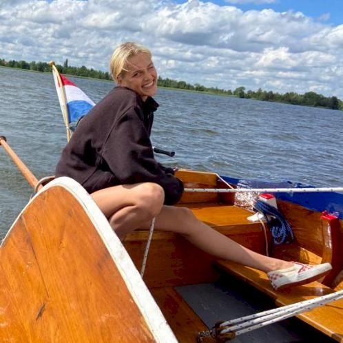 Isa - Copenhagen: I am a recent highschool graduate currently ...