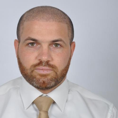 Iyad - Al Ain: I used to teach online and exchange English Ara...